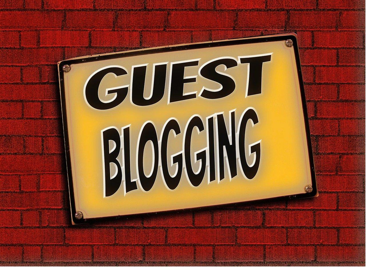 Grafica-di-Guest-Blogging-su-una-parete